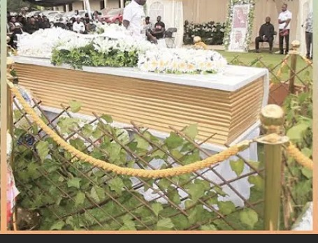 54243a30104ce2d5263ea45729222669?quality=uhq&resize=720 - The Bible Coffin that was used to bury Prophet Seth Frimpong causes stir (Photos)