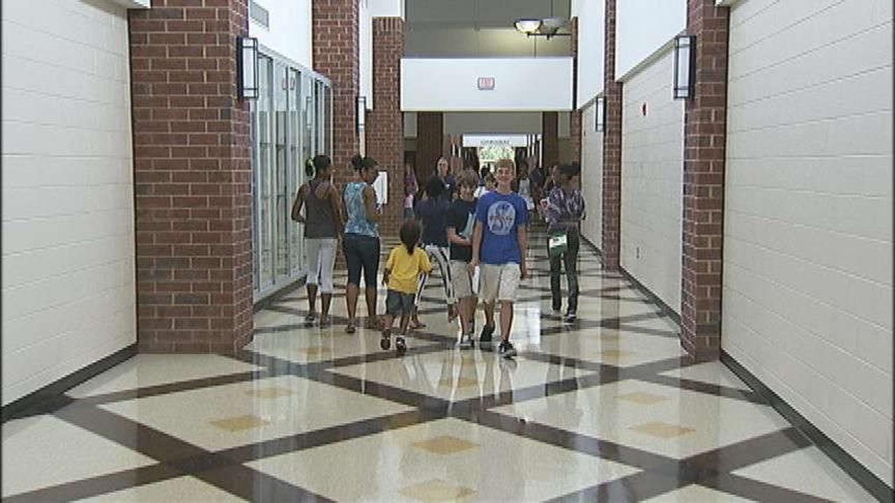 COVID-19 outbreak causes another Clayton County school to go virtual