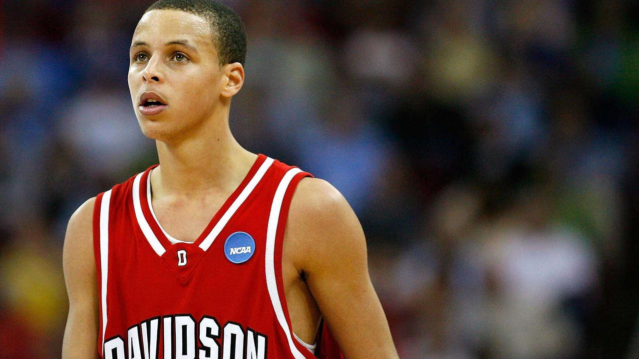 When Stephen Curry Showed Glimpses of the Superstar He'd Become in 2008 NCAA Tournament Run