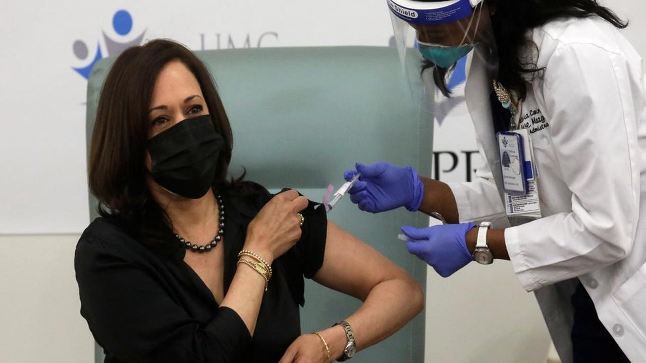 Kamala Harris receives Covid-19 vaccine dose