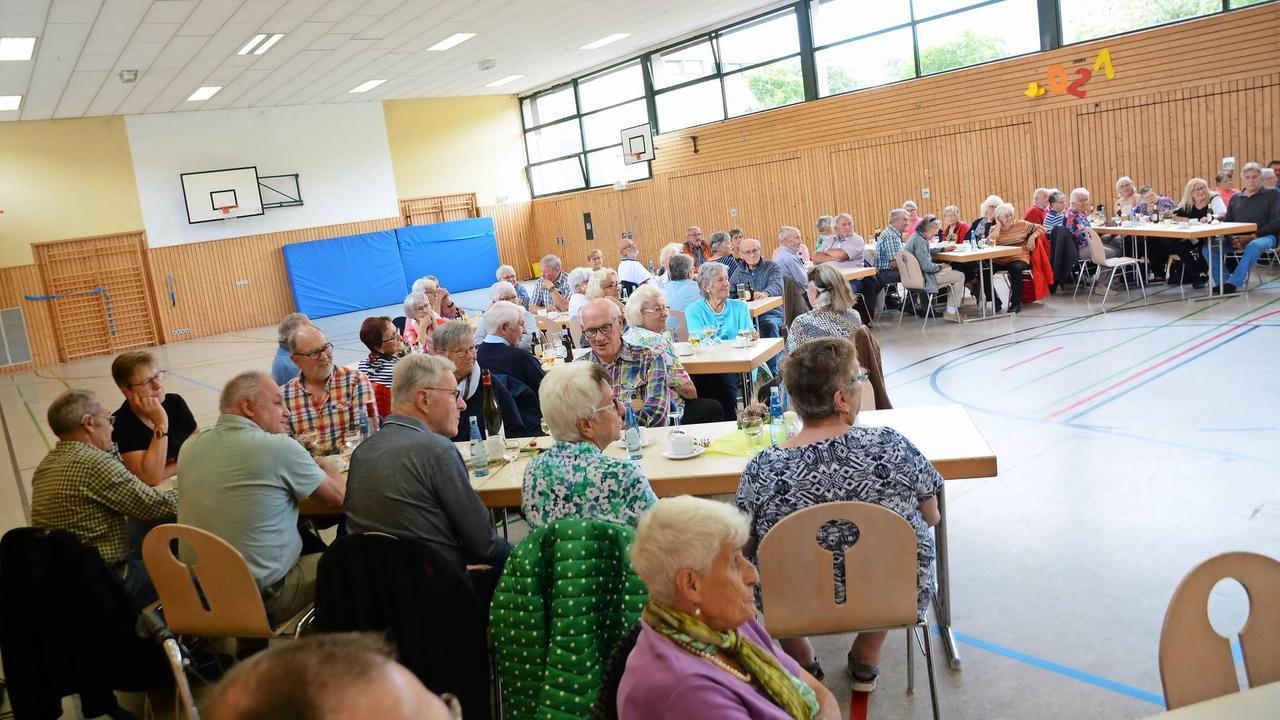 Freizeit: Grillnachmittag für Seniorinnen und Senioren in Gillenfeld