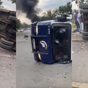 Mzansi Reacts As Locals Ambushed The Van That Was Carrying Money