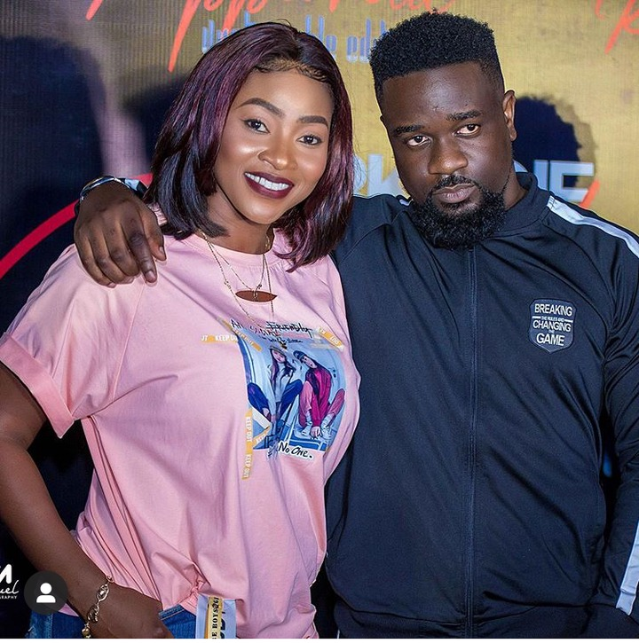 5678033b73ee7637d7b57c63c0efafd6?quality=uhq&resize=720 - 10 Times Cookie Tee Proved She Is The Prettiest Media Personality In Ghana