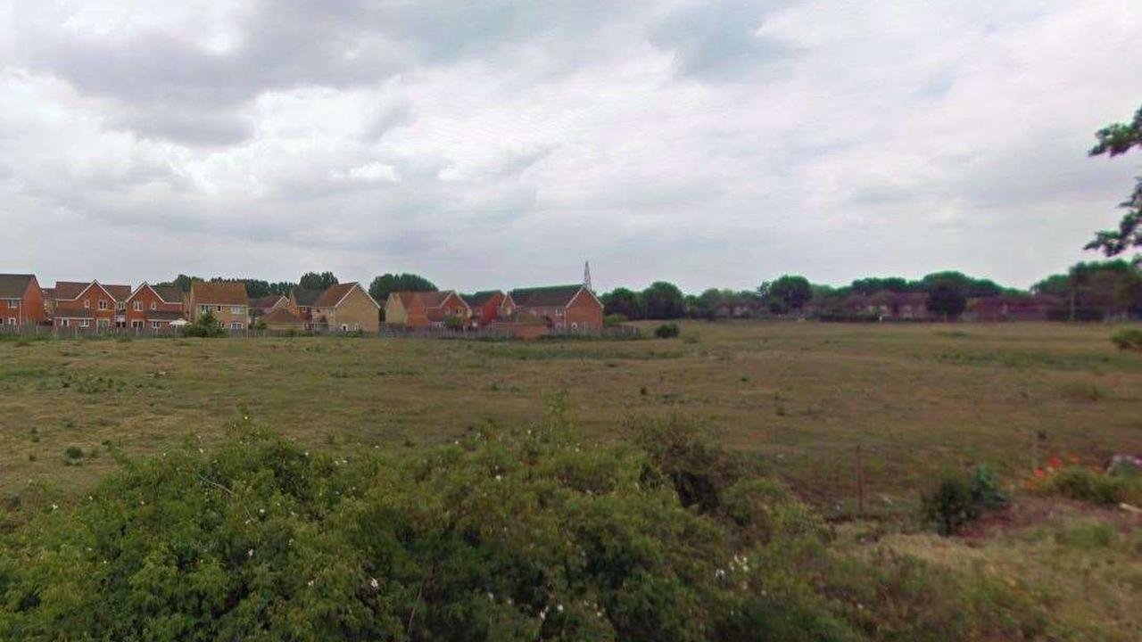 Plans for 112 new homes off Rookery Drove in Beck Row 'verging on criminal'