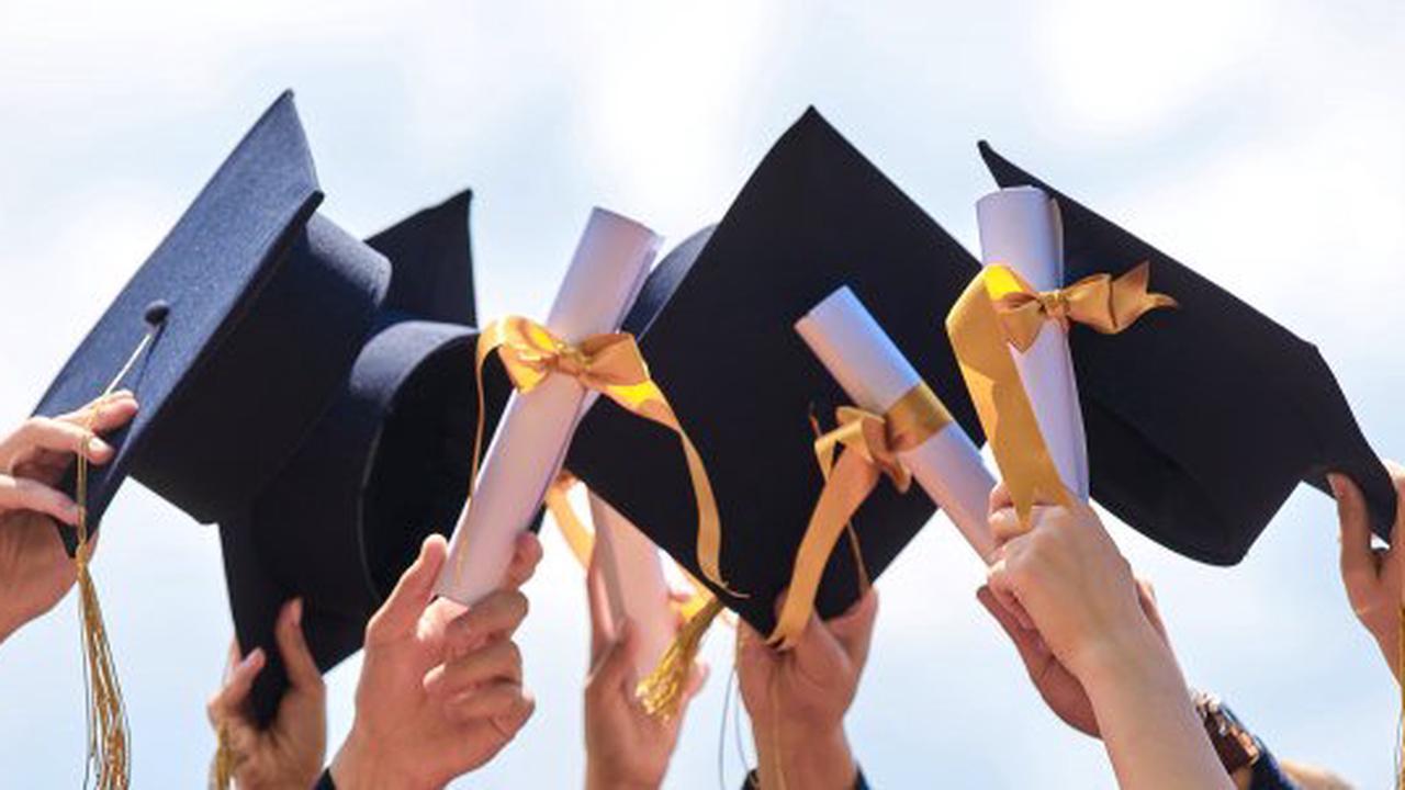 Studie vergleicht Ausbildung und Studium: Was bringt mehr Gehalt?