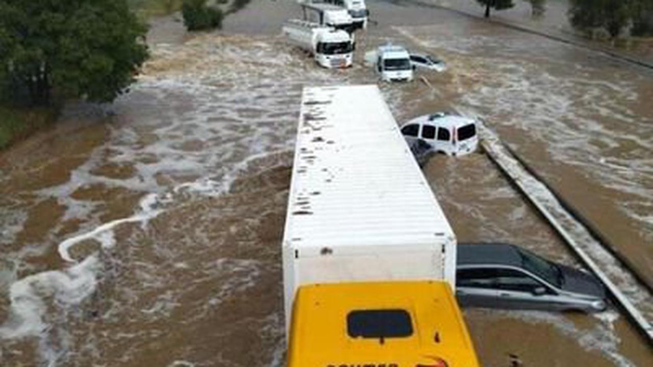 Intempéries : après d'importantes inondations, le Gard reste en alerte orange
