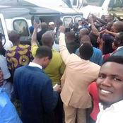 Crowd troops out as Bishop Oyedepo flew private jet to visit King of Ewu kingdom in Edo State