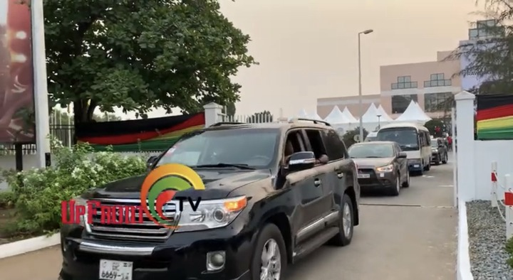 59c8eb5c00f042d8b3c2bf31d2eceea8?quality=uhq&resize=720 - Sad Moment: How Body Of The Late Papa J Got Departed In A Long Convoy From The AICC, Awaiting Burial