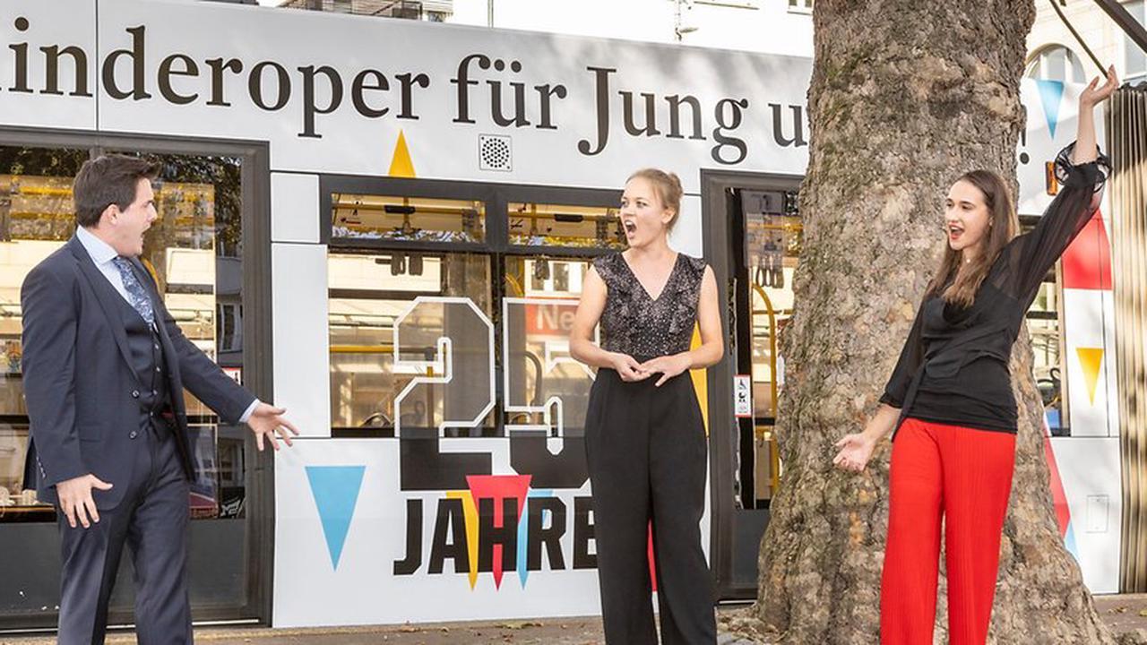 KVB gratuliert der Kinderoper Köln: Stadtbahn zum 25-jährigen Bestehen