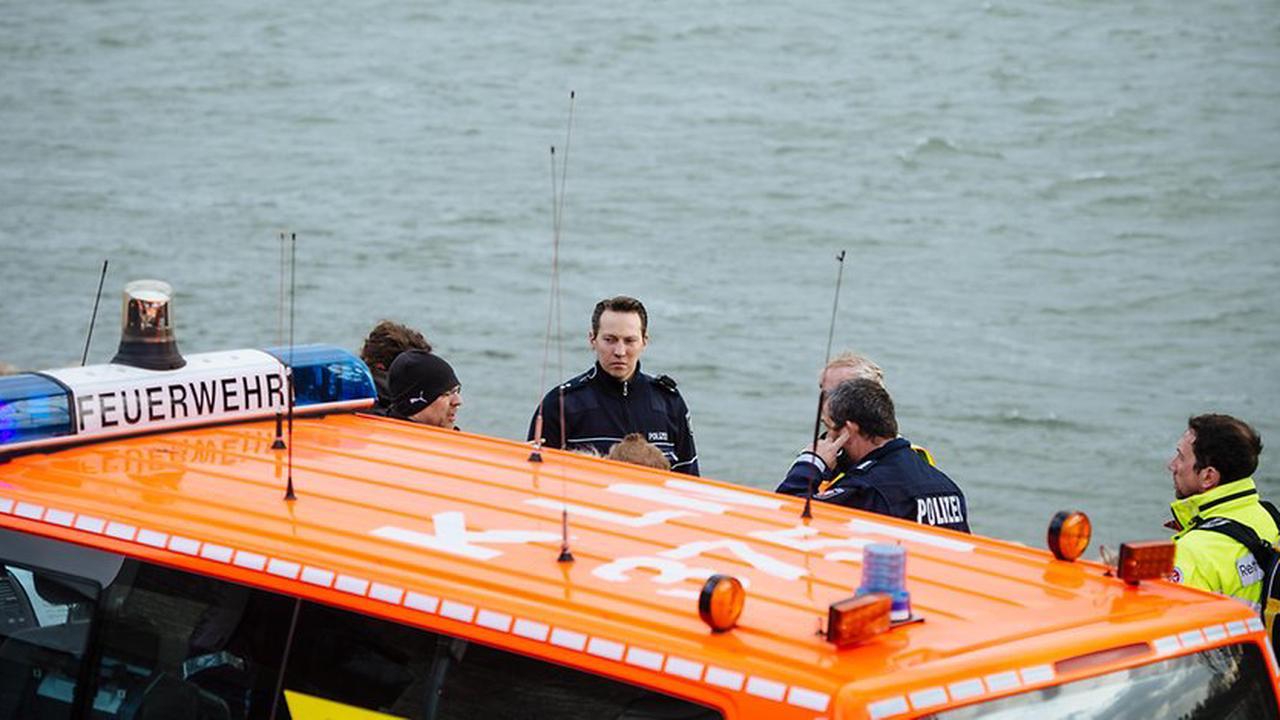 Nächstes tödliche Badeunglück in NRW: Drei Personen im Rhein bei Duisburg untergegangen