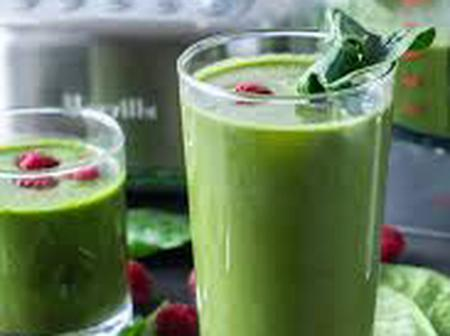 Easy way to prepare healthy and fresh spinach juice.