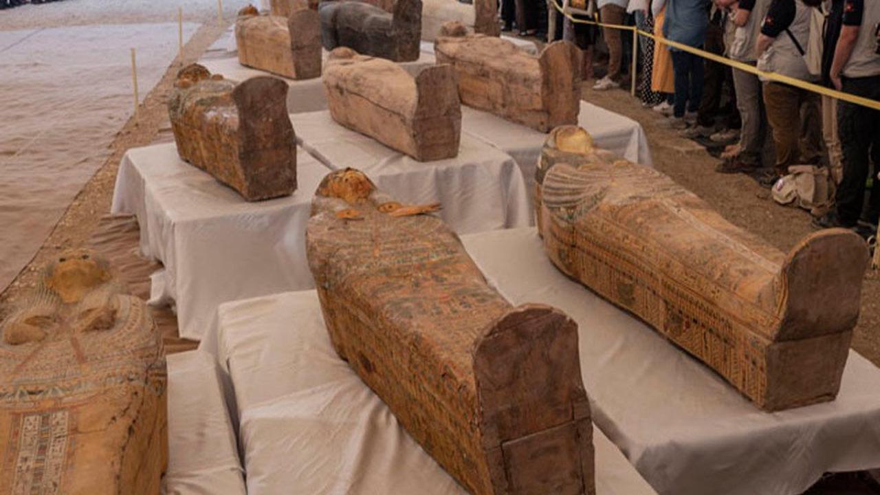 Egypt holds grand parade for mummy transfer