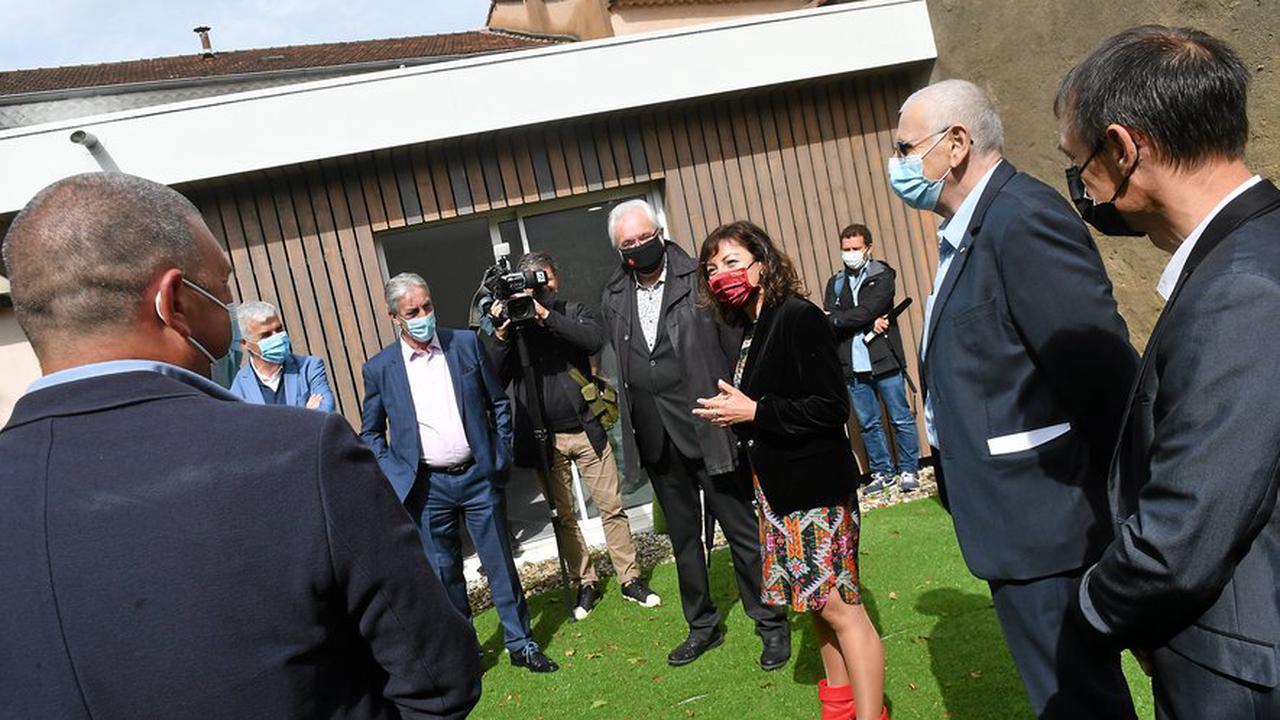 Carole Delga à Salindres pour rappeler le soutien régional à la santé