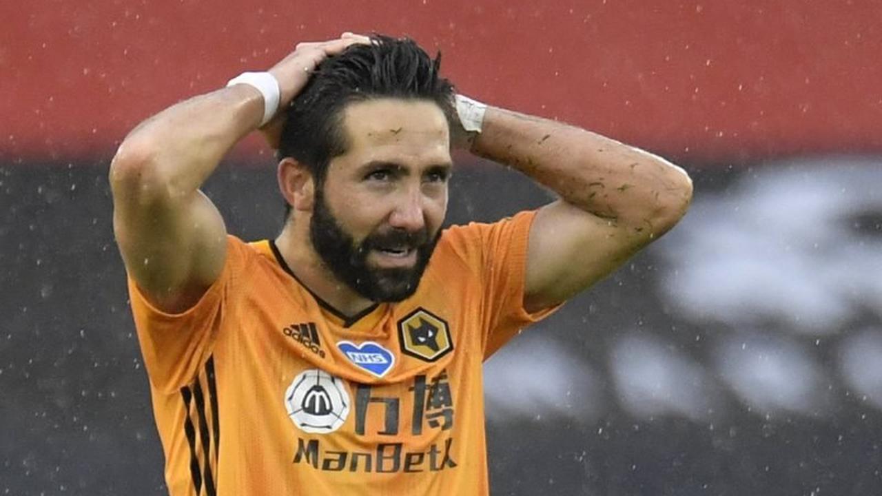 Wolves: Steve Bull questions Joao Moutinho future