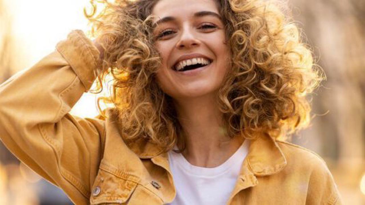 Qu'est-ce que le Ruban Blond, cette nouvelle technique pour une chevelure blonde ultra canon ?