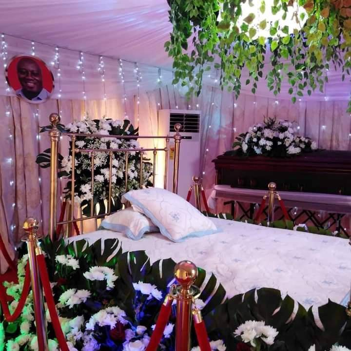 5ccdb9d2577843d68f483f1622dda443?quality=uhq&resize=720 - Exclusive & Rare Photos; Mourners Soaked In Tears As Hon Ekow Quansah Is Being Laid To Rest