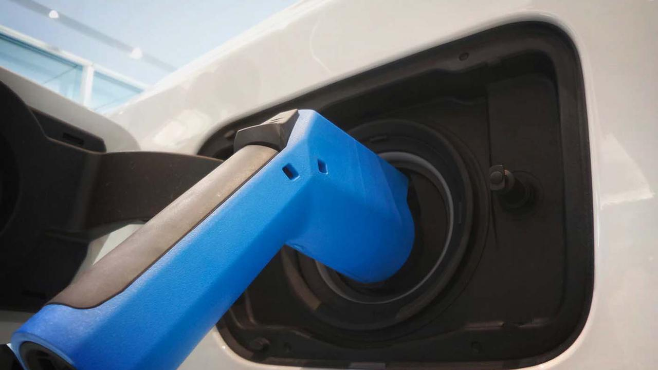 Cette batterie de voiture électrique se recharge en 10 minutes à peine!