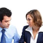 خلوة الرجل بمرأة محرمة عليه بسبب العمل