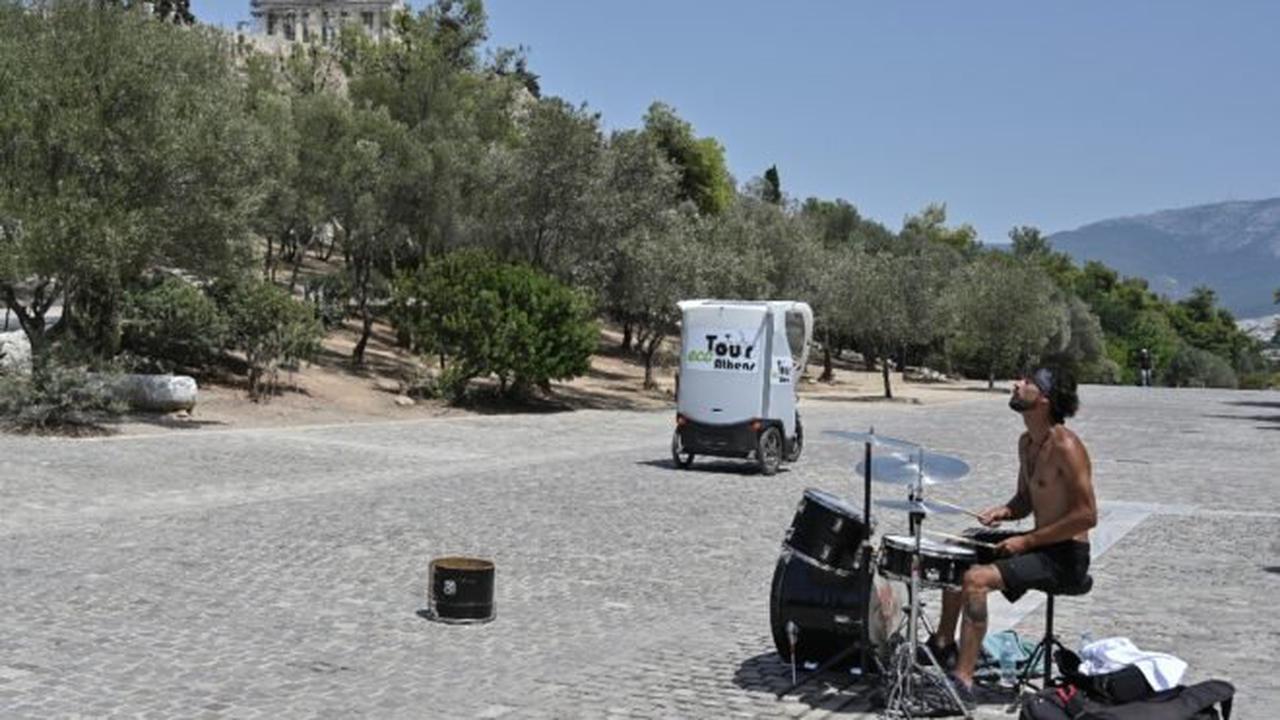 'Dangerous' heatwave hits Athens again