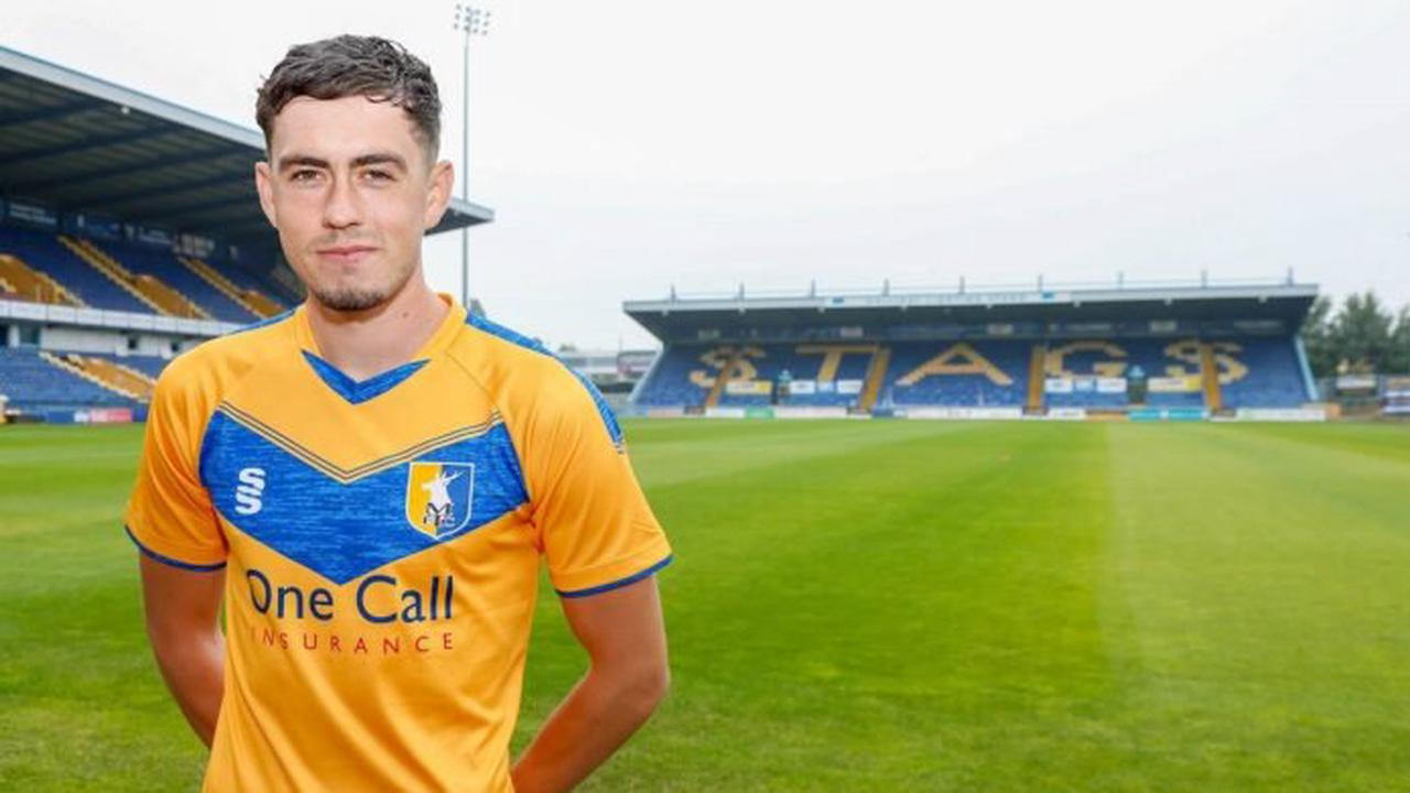 Corey O'Keeffe has signed for Rochdale on loan from Mansfield Town
