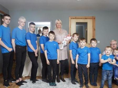 A mother of 10 sons finally gave birth to a girl!