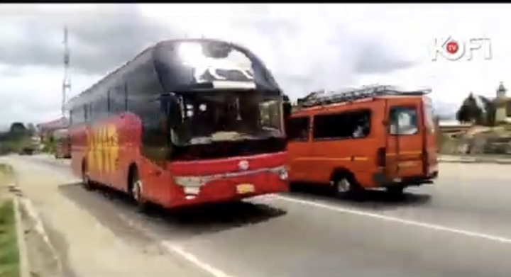 5e0a6fd7ef4875e3a8c2db39b686dda5?quality=uhq&resize=720 - Pastors spotted praying against accident on the Accra to Kumasi Highway (Video)
