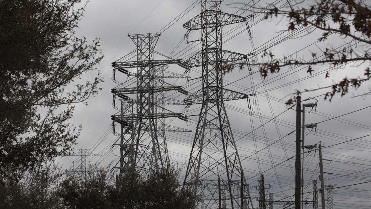 PUC to end order banning power shutoffs for Texans who haven't paid their bills
