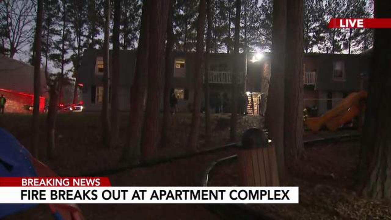 Crews investigate fire at Raleigh apartment complex