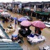 Check out what people were doing in Aba market while it was heavily flooded that made me cry