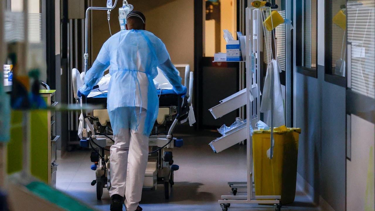 Covid-19 Pass sanitaire : peut-on être refusé à l'hôpital si l'on n'est pas vacciné ?