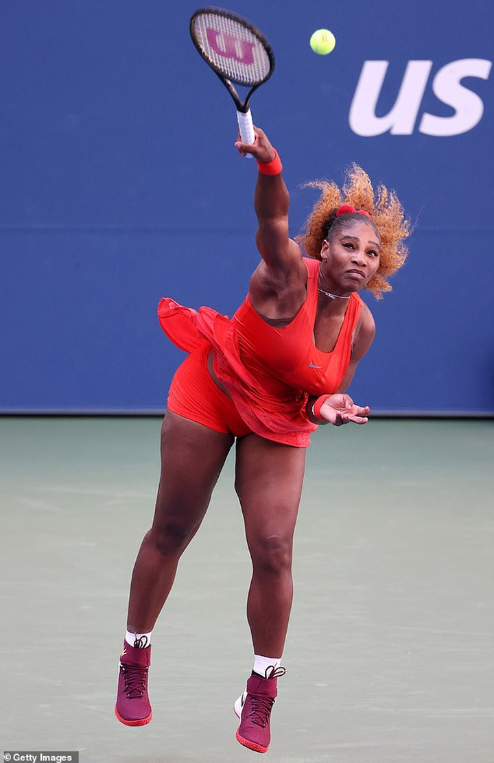 Serena Williams is cheered on by husband Alexis Ohanian and daughter Olympia at US Open, as she defeats Sloane Stephens (photos)