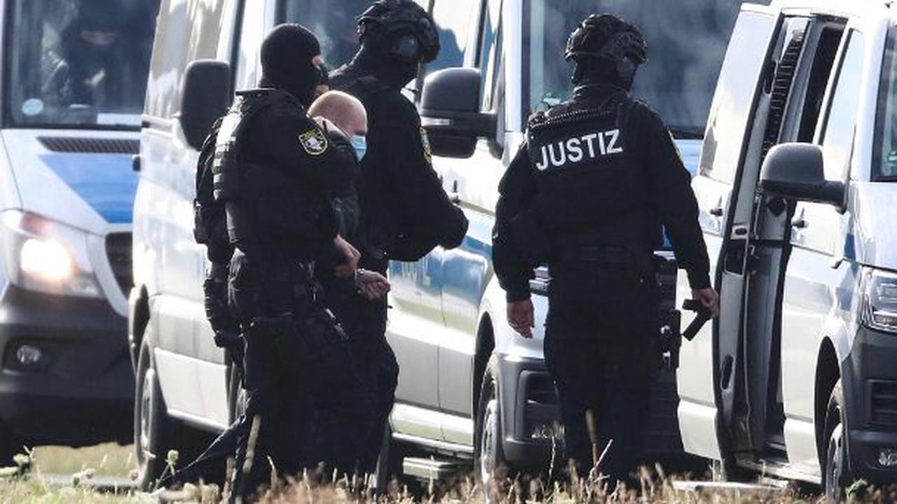 Brieffreundschaft mit Halle-Attentäter Stephan B. – Polizistin suspendiert