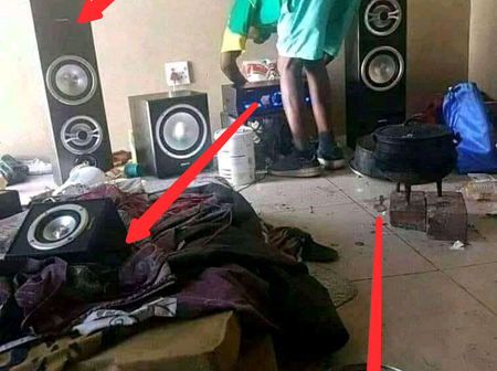 After A Guy Shared Picture Of The New Sound System He Bought, See What Was Noticed In His Room