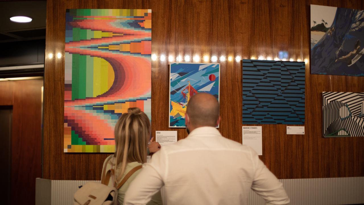 """Ausstellung """"Reflaect"""" im Fernsehturm: Tape Art am Alex"""