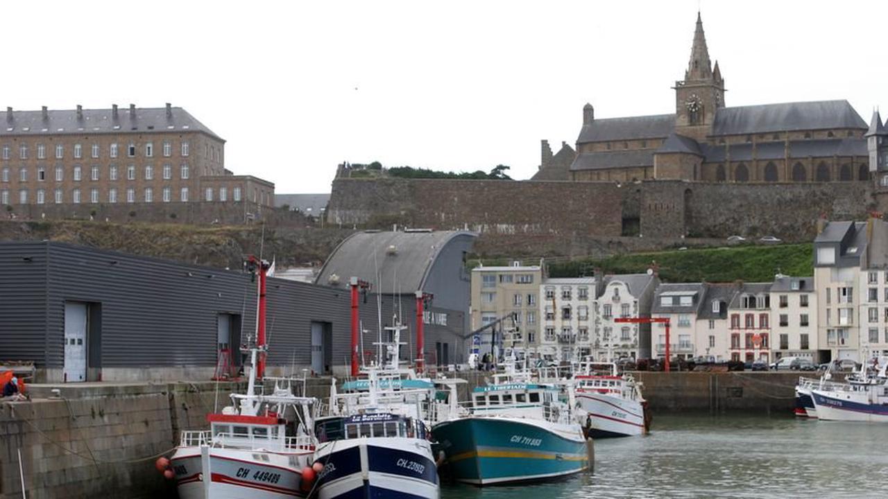 """Droits de pêche à Jersey : les Manchois dénoncent """"un coup de force anglo-normand"""""""