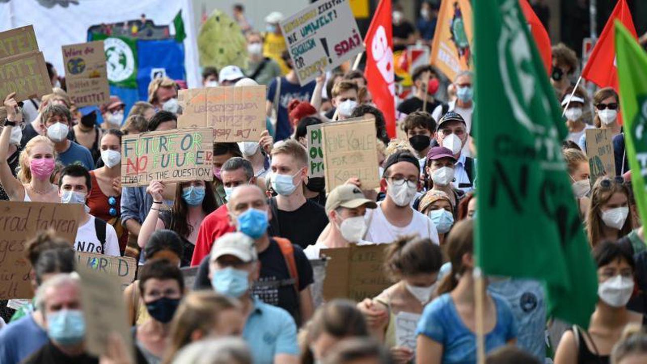 Zehntausende bei Klimaprotesten im Südwesten erwartet