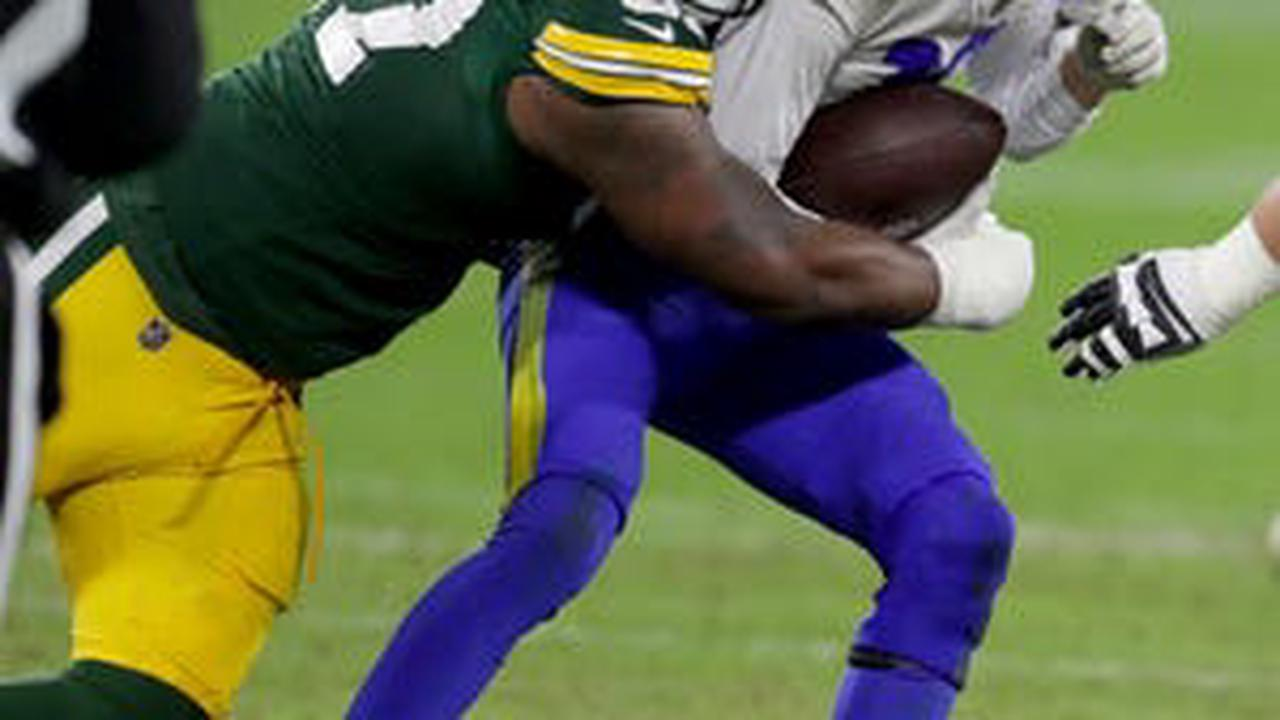 Green Bay Packers' defensive front steals spotlight from highly touted Rams linemen in NFL playoffs
