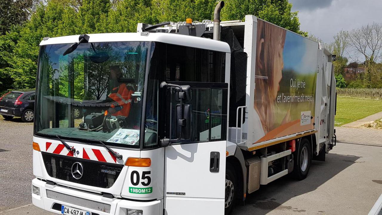 Smav Calendrier 2022 Arras : venez découvrir l'intérieur d'un camion poubelle du SMAV