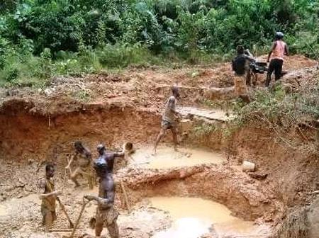 Sad - Abandoned Mining Pit Kills Two Girls In The Central Region
