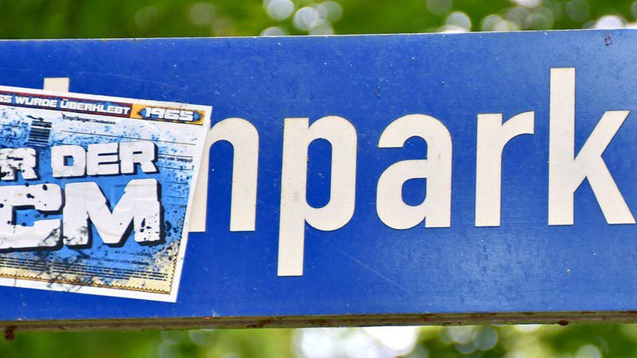 Fußball: Wie Magdeburger Fans die Arendseer Innenstadt prägen