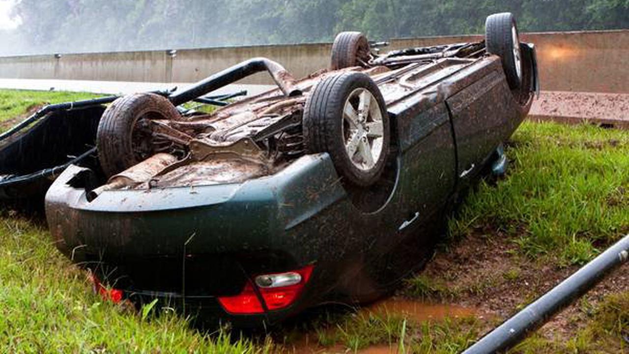 Söding-St. Johann: Kollision mit Pkw: 41-jähriger Motorradfahrer über Auto geschleudert und verletzt