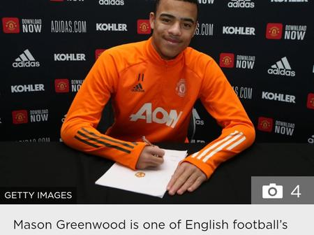 Good News As Manchester United Star Signs New Contract