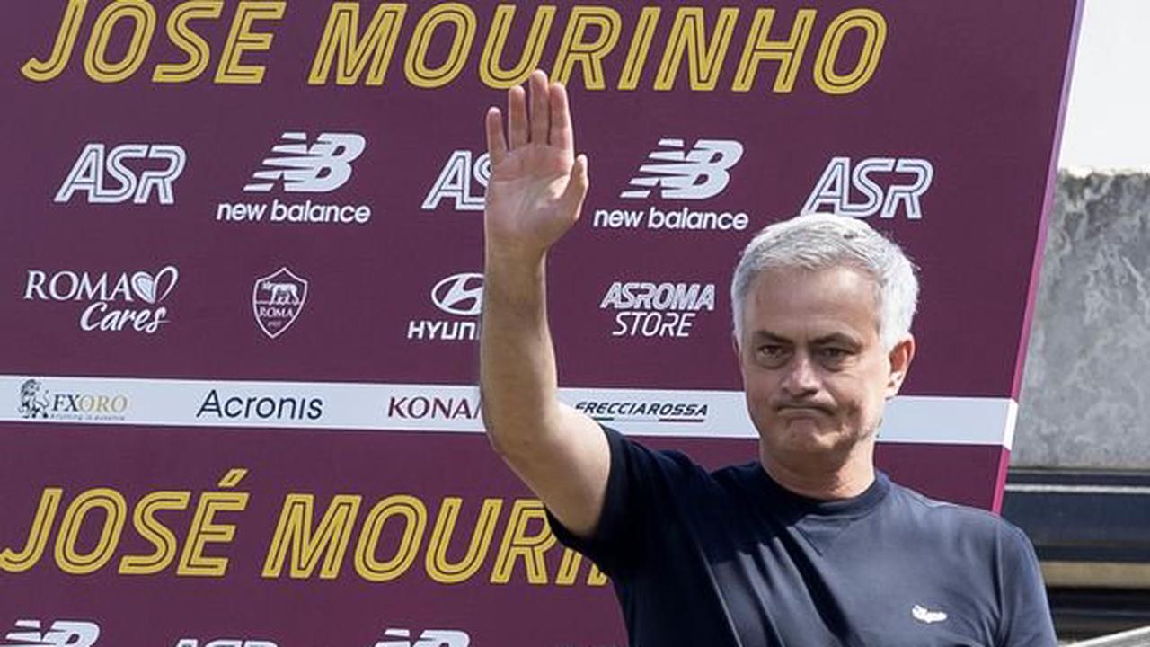 """Jose Mourinho makes """"victim"""" claim and aims Man Utd dig at official Roma unveiling"""