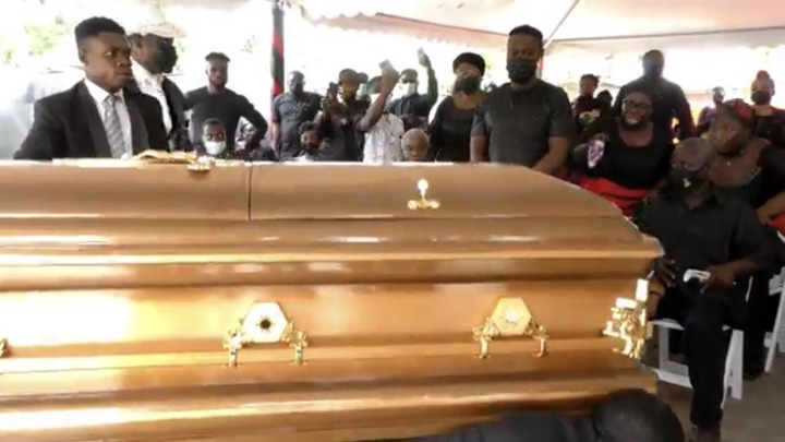 62b15571d5f54110b5b44870bd55bd74?quality=uhq&resize=720 - The Last Moment The Dancing Pallbearers Danced With Eddie Nartey's Wife Coffin Before Her Burial