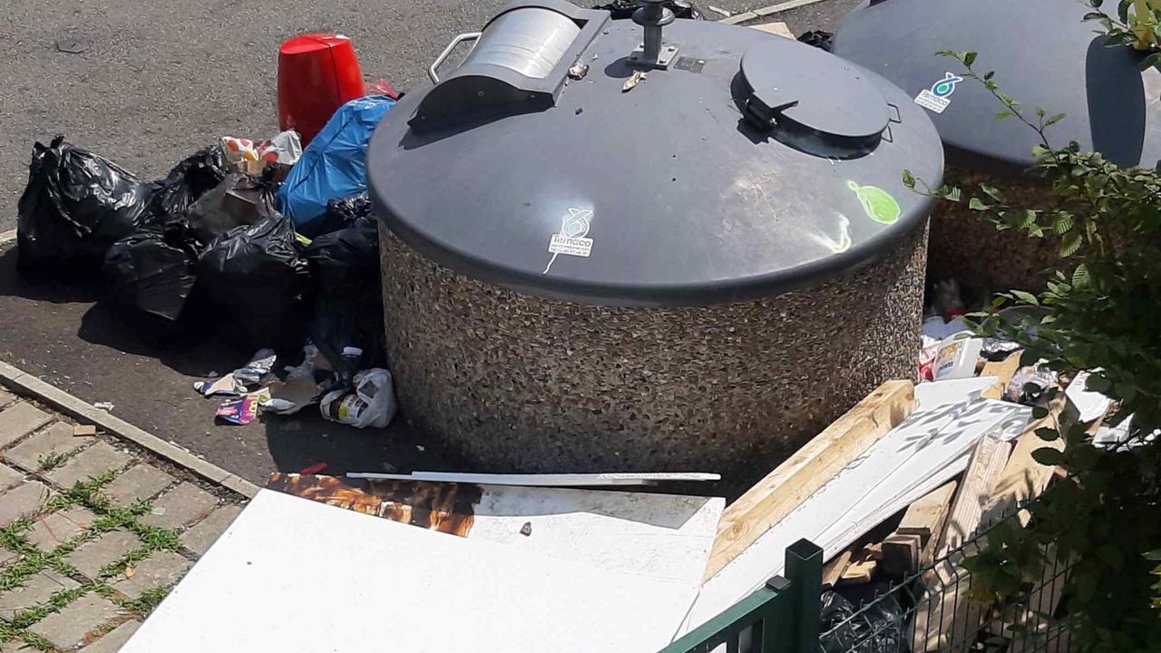 TORCY : Une semaine sans ramassage de poubelles, ça donne ça du côté du champ Bâtard