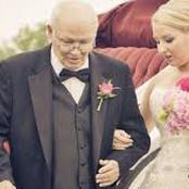 تزوج رجل ستيني بصديقة ابنته وأثناء حفل زفافهم حدثت الكارثة(قصة)
