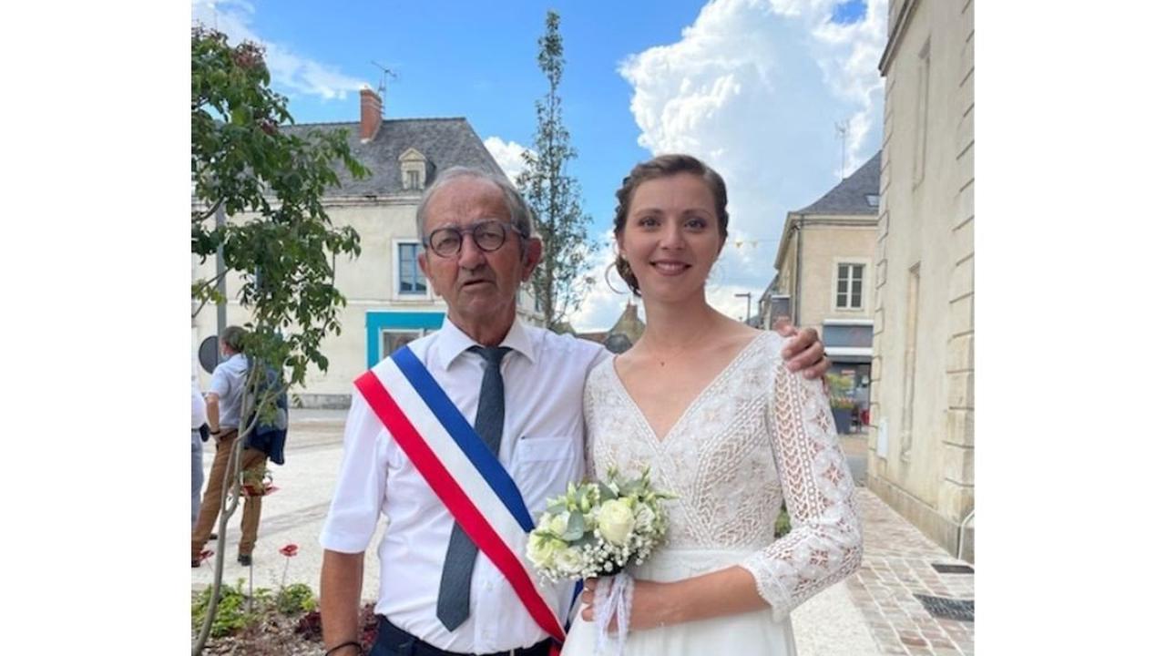 Sarthe : 20 ans plus tard, le maire, ancien instituteur, retrouve son élève le jour de son mariage