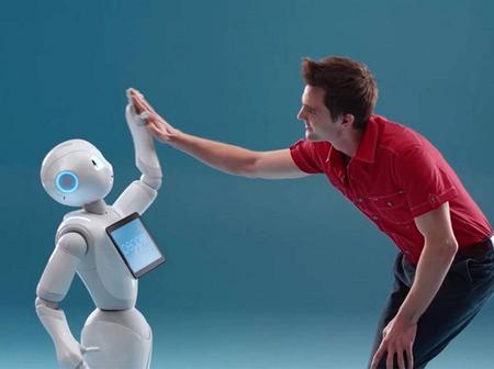 Le Japon invente une main de robot pour les personnes solitaires