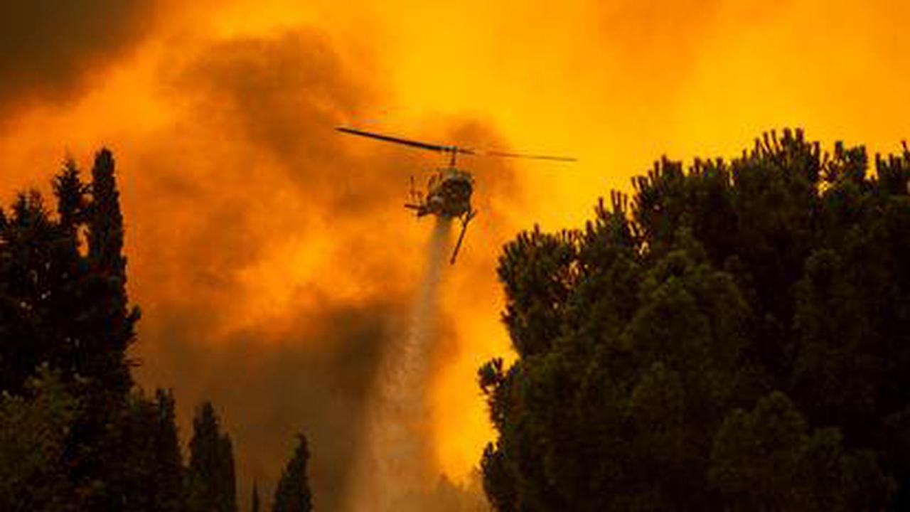 Grèce: incendie de forêt près d'Athènes, évacuations par précaution