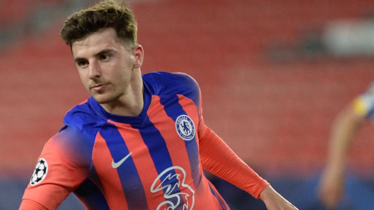 LIVE Transfer Talk: Liverpool and Chelsea eye Gravenberch